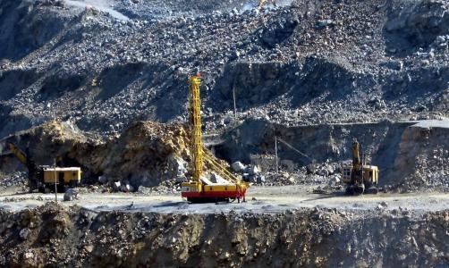 铁矿石一个月跌超30%