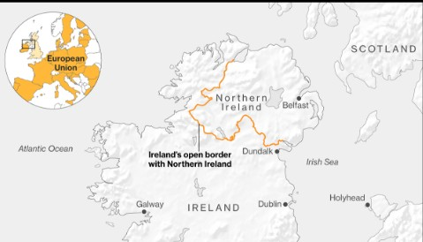 """如果3月份英国在没有达成协议的情况下脱离欧盟,那么一直困扰脱欧谈判的一个核心问题--如何避免在爱尔兰岛上出现硬边界--将演变为一场严重的危机。2018年,爱尔兰总理瓦拉德卡(Leo Varadkar)曾表示,他的政府""""永远不会""""建立一道边界,但在这意味着爱尔兰与北爱尔兰之间可能出现一道事实上的边界之后,他的这一立场似乎已经退缩。他在1月22日警告称,英国无协议脱欧将会带来真正的困局。"""