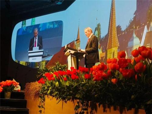 (德国纽伦堡市长Dr.Ulrich Maly先生在开幕式上发言)