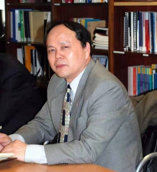 中国社会科学院工业经济研究所研究员中国区域经济学会副会长兼秘书长 陈耀