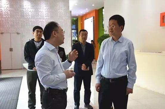段成刚一行调研企业大数据服务商博拉网络