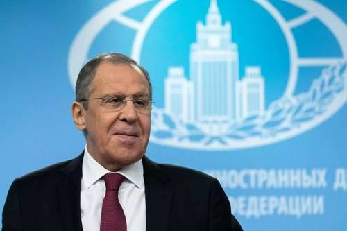 """资料图片:1月16日,俄罗斯外交部长拉夫罗夫在莫斯科表示,俄罗斯与中国在政治领域紧密合作,在经贸和投资领域的合作前景""""非常广阔""""。(新华社)"""