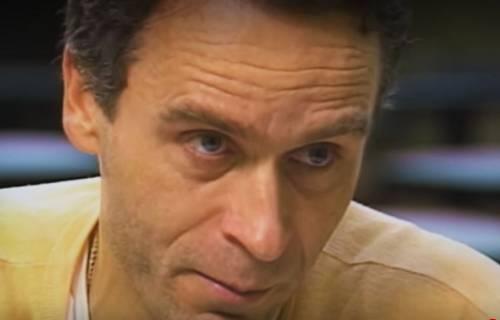 (在。承认罪走后,邦迪留下了眼泪)图源:影片截图