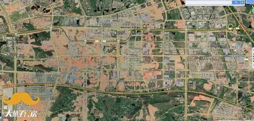 从卫星图上看光谷南的工地