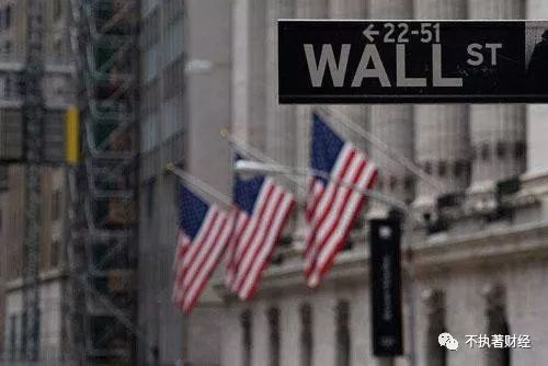 短期内国际金价快速上涨,国内黄金价格也跟风而涨。又有一批投资者冲进去购买黄金。但实际上,目前美联储的货币政策并未真正宽松,同时美伊冲突也并没有全面升级,更关键的是,短期金价的疯狂上涨,也暗示了华尔街大鳄在背后操控金价的迹象。