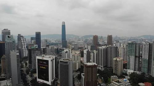 (未来的金融中心所在地,图中最高的楼为目前在建的东南亚第一高楼Exchange 106)