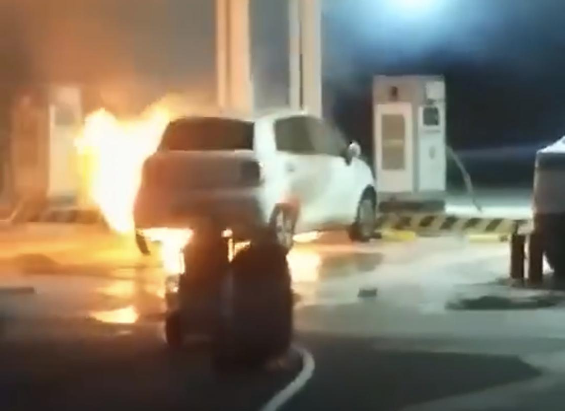 长城欧拉R1疑似自燃起火,官方尚未回应