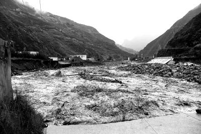 四川暴雨 汶川等地遭遇泥石流