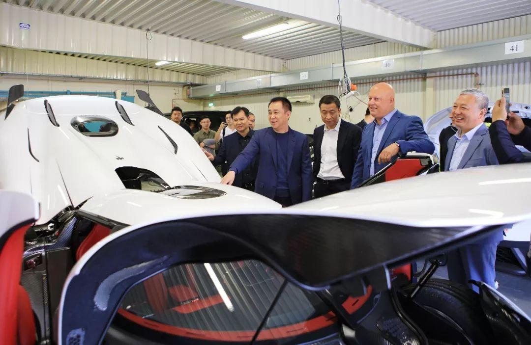 砺石早报   恒大新能源汽车全球研究总院全球招聘8000精英;比亚迪1-8月新能源车销量增长55%……