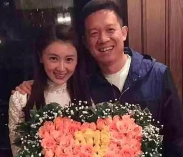 炒股系统网曝贾跃亭与甘薇离婚 已支付51万美金家庭抚养费