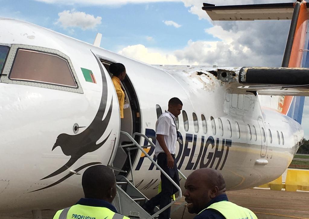 Proflight航空一客机遭强冰雹袭击 机身严重损坏