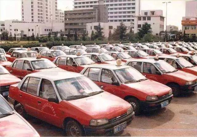 1997年8月28日夏利公司成立,1999年6月28日在深圳证券交易所上网定价发行,同年7月27日在深圳证券交易所挂牌上市,从而成功进入中国资本市场,成为汽车板块中的一支重要力量。