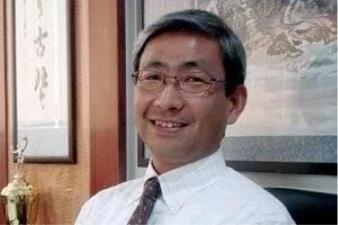 大谷俊明于1980年毕业于京都大学经济学系并在同年加入日产汽车公司,具有三十多年的汽车研发、采购、生产、销售等汽车全产业工作经验,且各方面均业绩卓著。