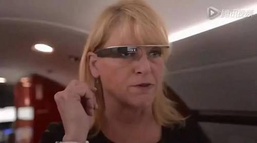 比如戴上谷歌眼镜,操纵Ovation Select,就能够语音限制开启客舱遮阳板,据说这个体系已经用在了许多商务机上。