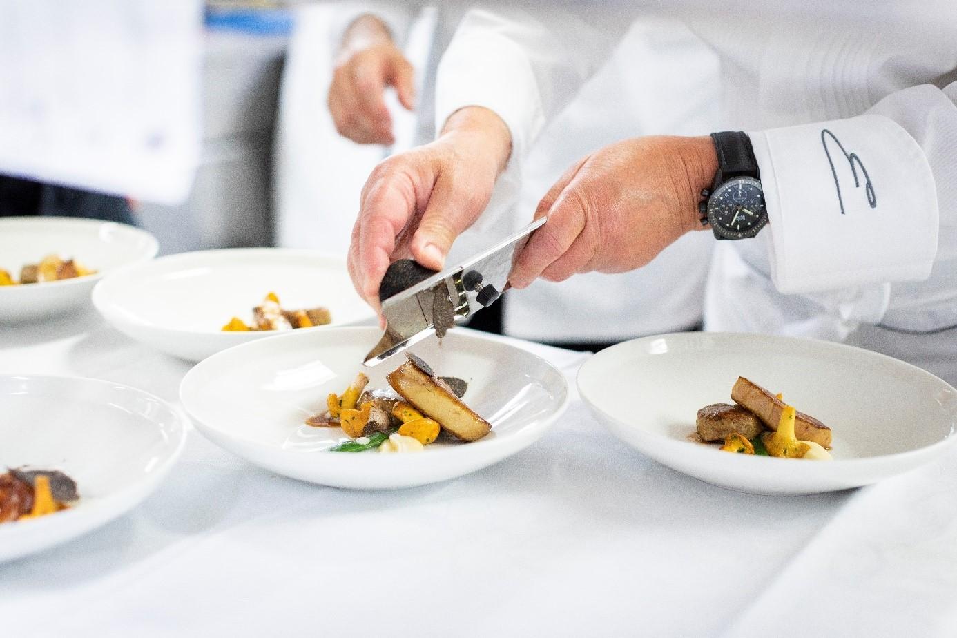 宝珀联手米其林指南 工艺与美食的完美结合