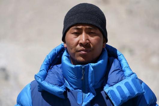珠峰测量登山队公布攻顶组名单 预计5月22日登顶