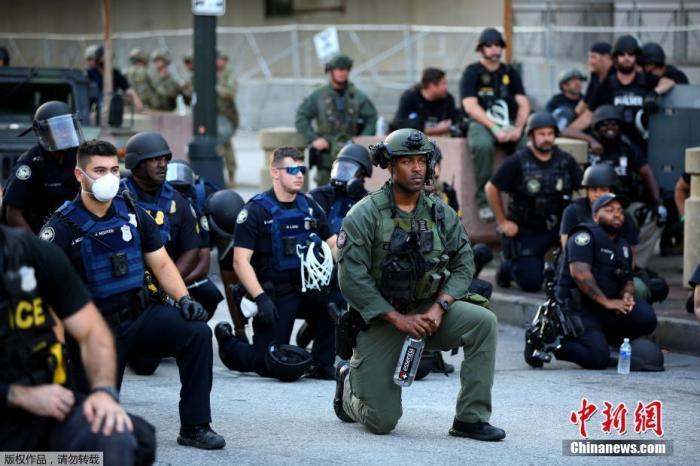 美国多州新冠确诊数激增 官员预计抗议活动或加剧疫情