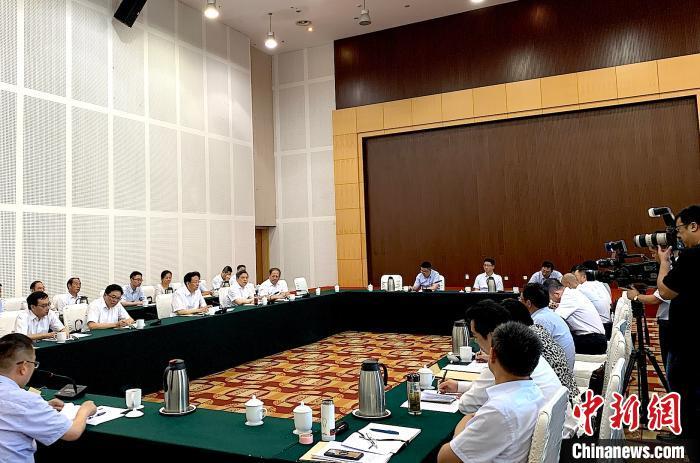 """扬州市委书记夏心�F:企业家是我们的""""衣食父母"""""""