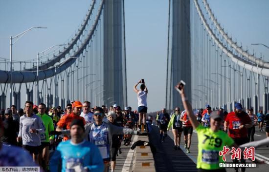"""2020年纽约马拉松因疫情取消 近3万名跑者""""云开跑"""""""