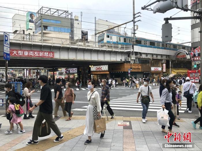 日本一周暴发百余起新冠集体感染 企业及政府机构最多