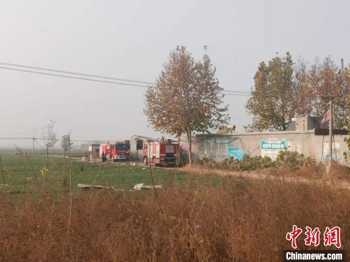 河北无极县珍珠棉厂爆炸致7死1伤:现场多家作坊式工厂相连