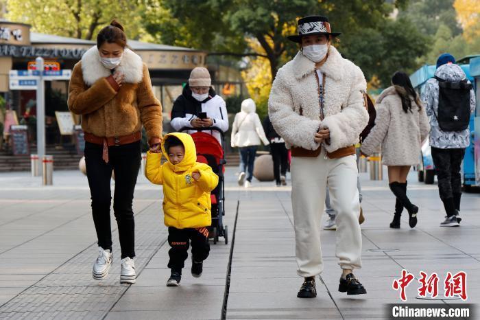 冷空气影响上海 雾霾消散