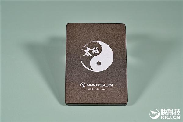 usdt不用实名(caibao.it):纯国产SSD 读取550MB/s 铭�太极512GB固态硬盘图赏 第2张