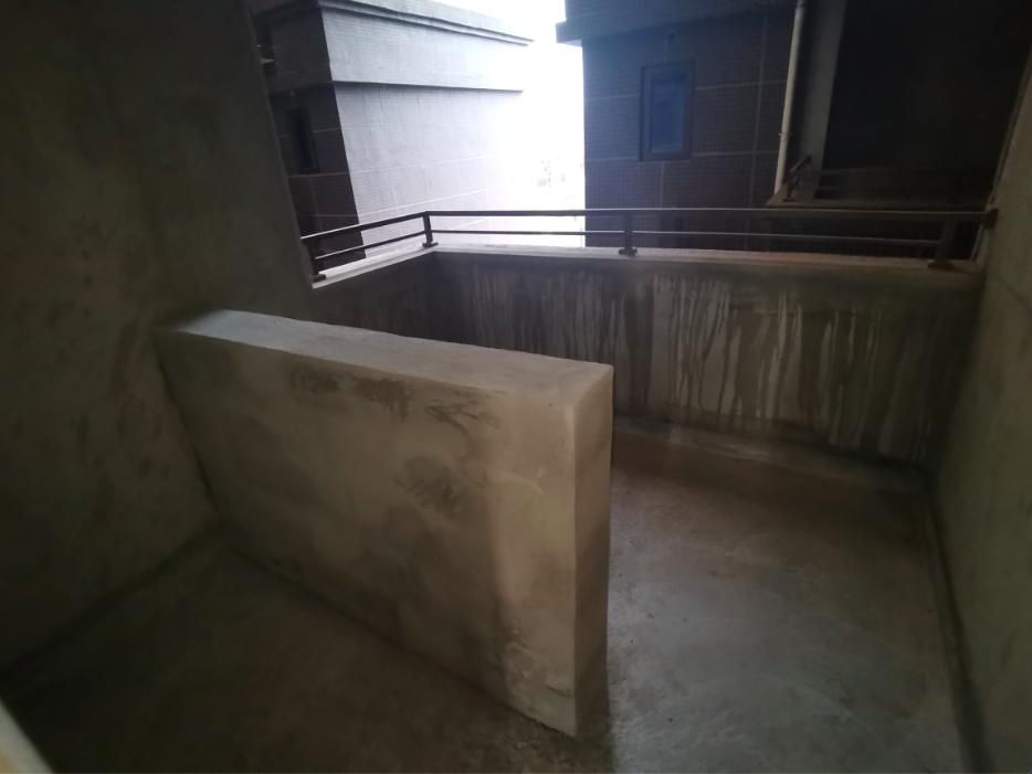"""买房时""""赠送""""的阳台,交房时多了一道墙还得补交1.5万元"""