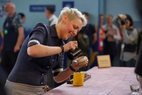 """""""咖啡女王""""Agnieszka Rojewska:很酷,也很爱咖啡"""