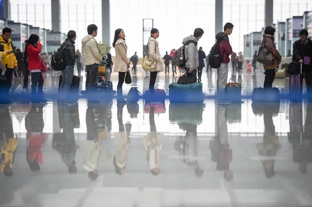 人口产业_在产业与人口的红利下,杭州湾新区正在迅速扩张,全面崛起!