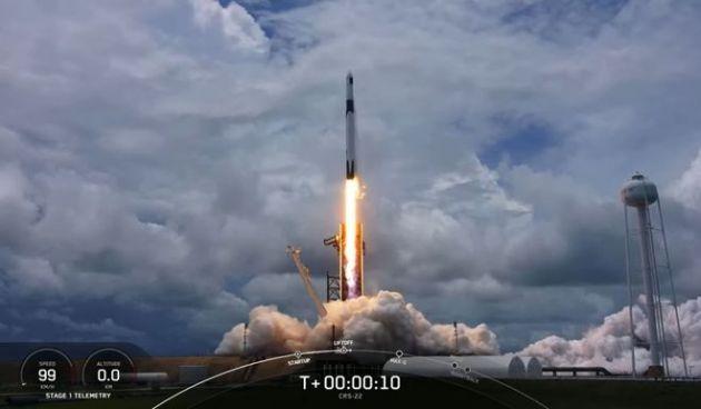 SpaceX成功发射货运龙飞船 向空间站运送3311公斤补给