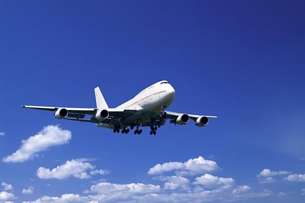 成都天府国际机场大量航班取消:工作人员无症状感染