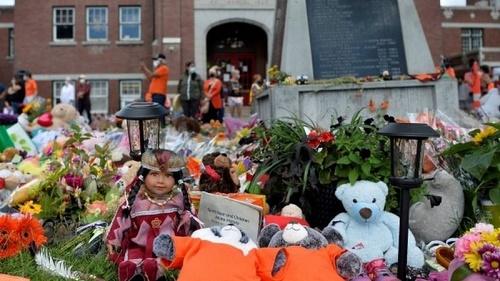 英媒:加拿大原住民寄宿学校地下有多少黑暗 儿童尸骸声控诉