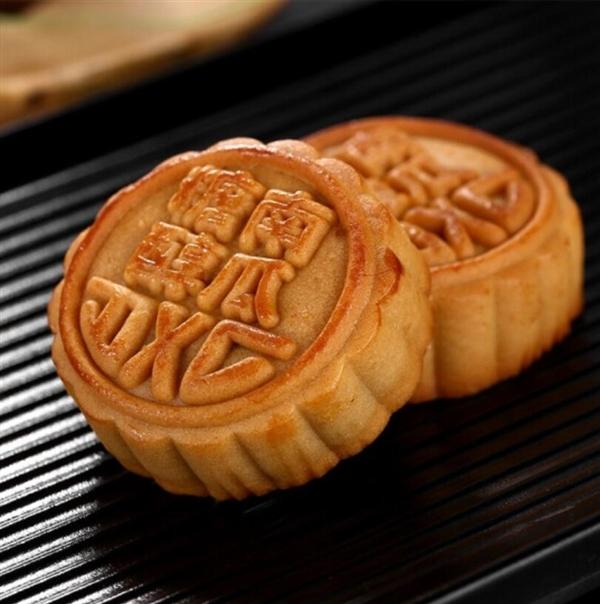新疆博物馆现存一块1400年前月饼:小麦粉为原料 花纹清晰可见